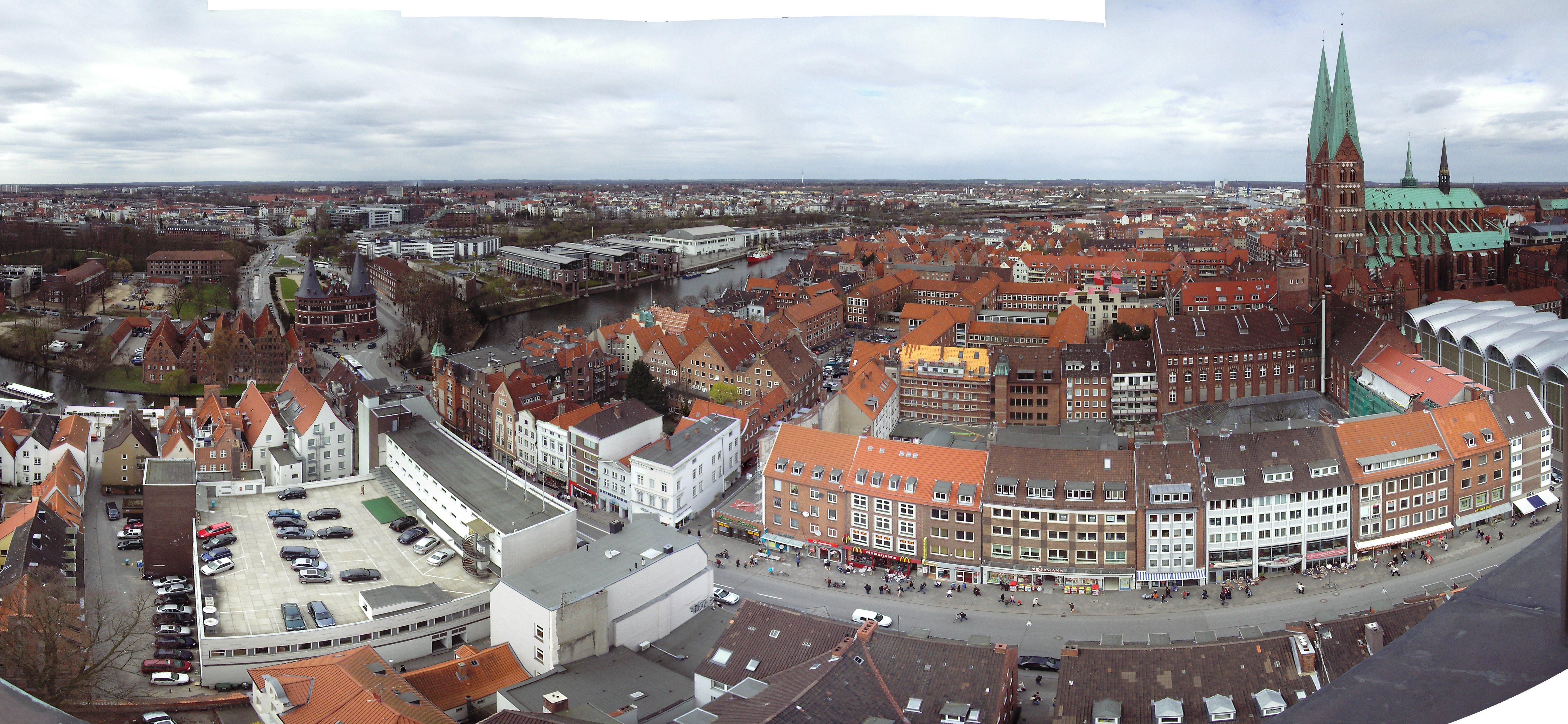 Panorama der Aussicht von St. Petri in Lübeck nach Norden